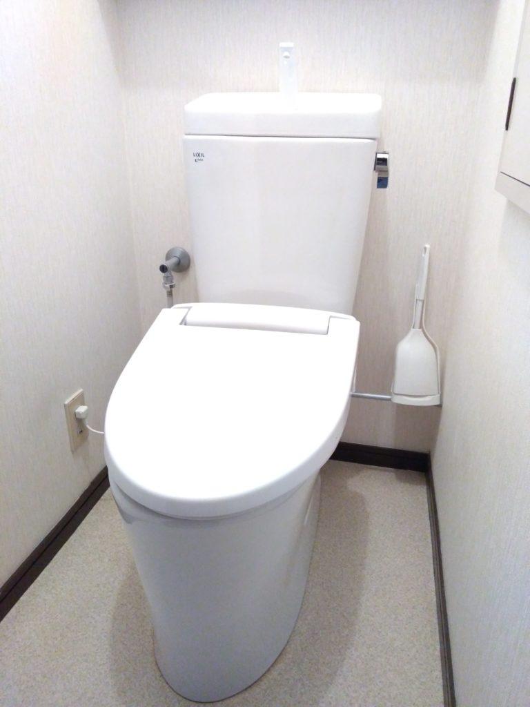 LIXILアメージュZリトイレ(フチレス)床排水手洗い付き 大5L/小3.8L 便器BC-ZA10H タンクDT-ZA180H