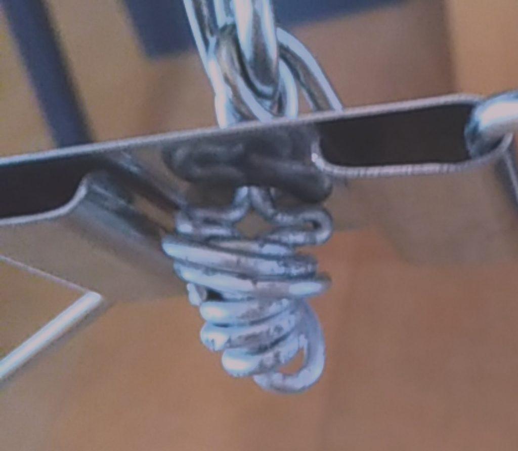 ステンレスハンガーの壊れを針金で補修の手順3