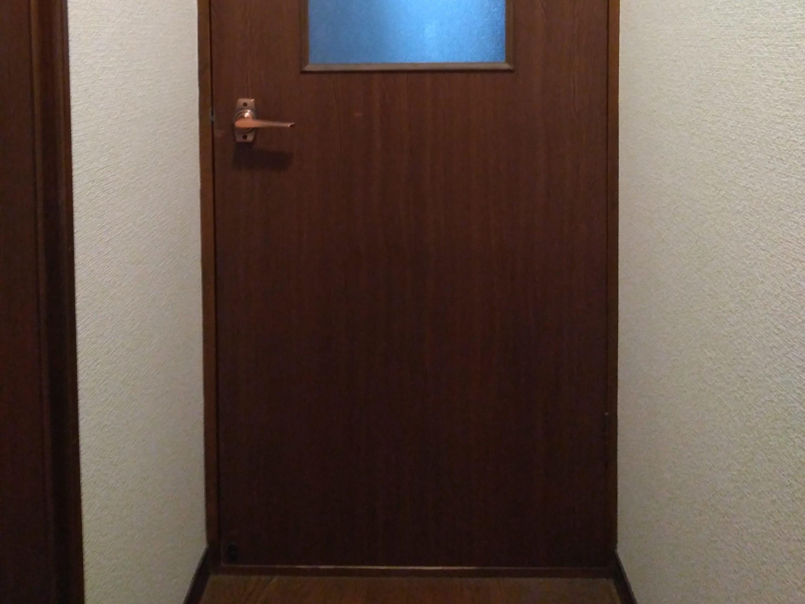 開きづらい扉
