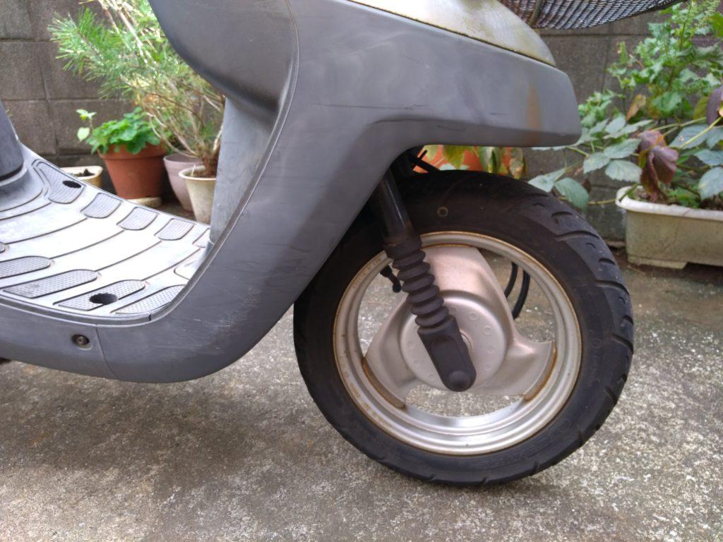 ヤマハのアプリオ前輪