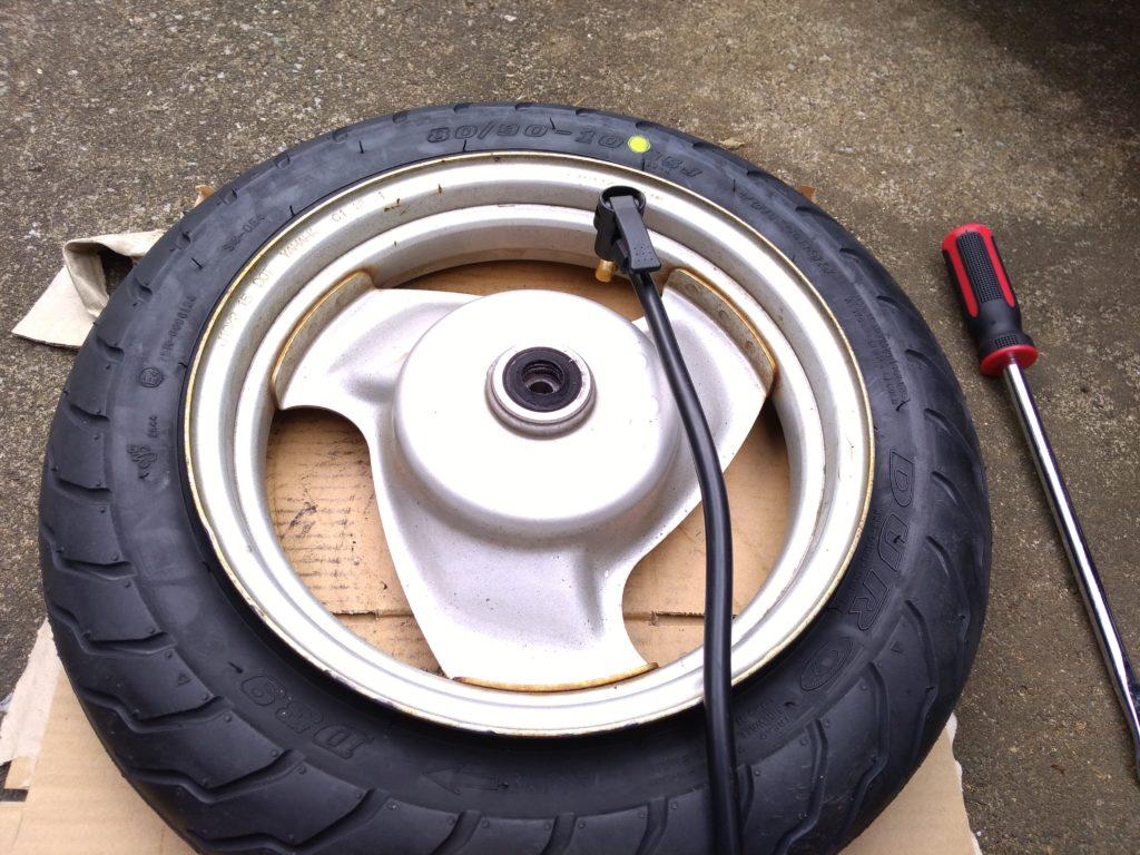 タイヤの空気を入れる音に注意